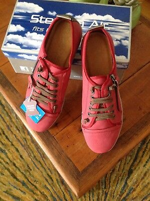 Size 9 Step On Air women's shoes