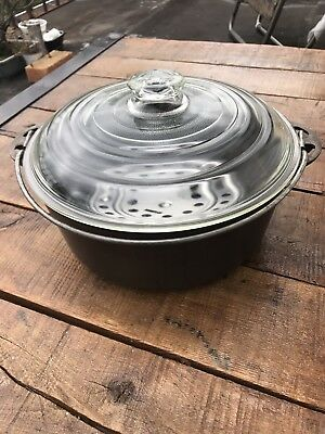 Vintage Griswold No. 8 Cast Iron Dutch Oven With Glass Lid And Trivet
