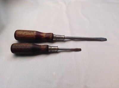 2 vintage WESTERN AUTO WIZARD flat tip Screwdrivers made in the USA