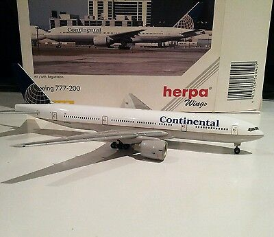 Herpa 560429 Continental Airlines Boeing 777-200 1/400 scale N77006 model plane