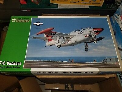 Special Hobby 1//32 North-American T-2 Buckeye /'Red /& White Trainer/' # 32037