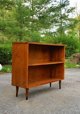 Vintage Mid Century Freestanding 2-tier Walnut Book/Display/LP/Media Shelf Unit