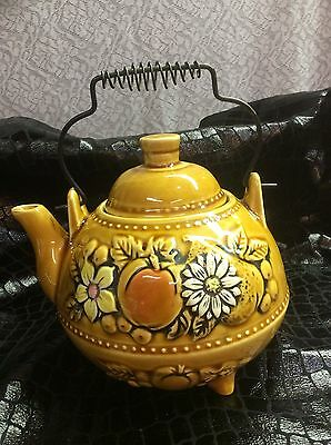 Vintage Footed ceramic teapot from the 50s/ Japan