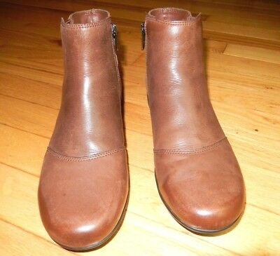 Booties Brown Leather Suede Comfort Cobb Hill Rockport Clean MSRP $135.00 9M