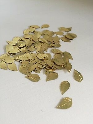 50pcs Leaves Sequins PVC Scrapbook Material DIY Stage Clothing Accessories (344)