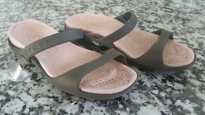 Crocs Cleo Sandals Chocolate / Cotton Candy Size Women's 7 USED