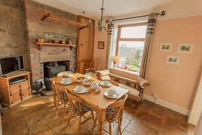 Wisteria Cottage - 5* Holiday Cottage in Haworth, Yorkshire (sleeps 6)