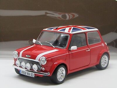 Mini Cooper 1.3 Sport Red & Flag 1997 - 1:18 Solido