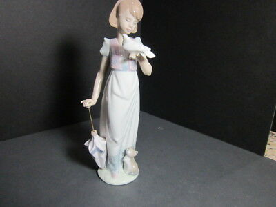 """Lladro  Figurine #7611 """"summer Stroll"""" Mint  Girl With Parasol, Bird And Cat"""