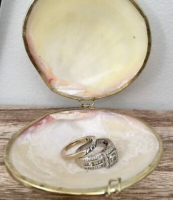 Clam Shell Coin Purse Brass Hinged Wedding Ring Holder Trinket Gift Box Vintage