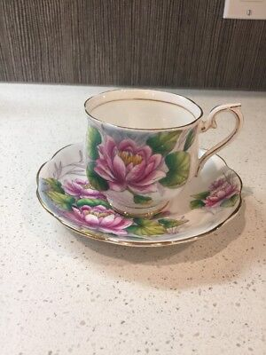 """Sweet Royal Albert """"Water Lily"""" Teacup & Saucer Bone China Flower Of The Month"""