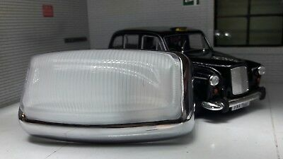 Austin FX4 Fairway London Taxi Interior Courtesy  Light Glass Chrome Light