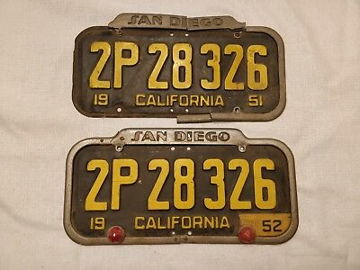 """Vintage Set Of 1951 California License Plates-With """"san Diego"""" Frame /reflectors"""