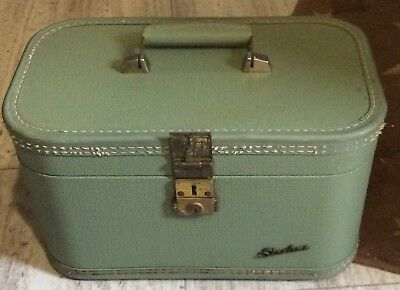 6e8ce8046135 Vintage Starline Cosmetic Vanity Case 50 S 60 Green Travel Makeup Luge