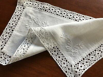 VINTAGE HAND EMBROIDERED LACE White LINEN TABLE CENTRE CLOTH DOILEY 17X9.5""