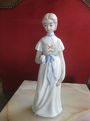 Grosse Porzellanfigur H.28 cm. Made in Spain.