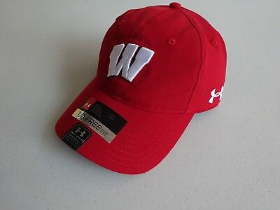 super popular b0e28 5e1a4 Under Armour Men s Armourvent Wisconsin Badgers Fitted Hat Cap NWT!