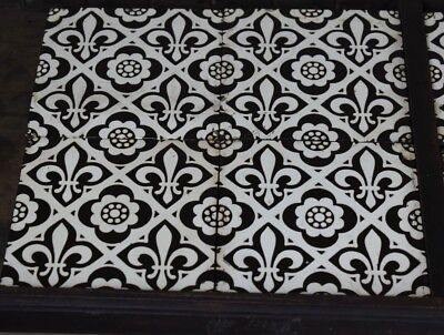 Antique Victorian Set of Eight Fleur de Lys Encaustic Tiles Minton Style Floor