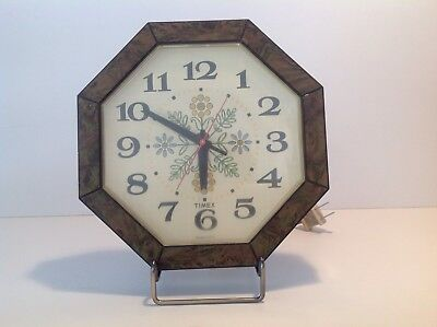 Vintage Retro 70's TIMEX Kitchen Wall  Clock..Flowers