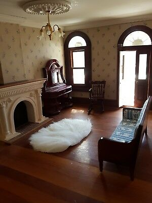 Miniature doll house accessories Oval white fluffy floor rug 1:12scale Faux Fur
