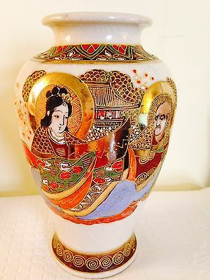 Antique Chinese Satsuma Vase Well Executed Gned 9 28x5 12