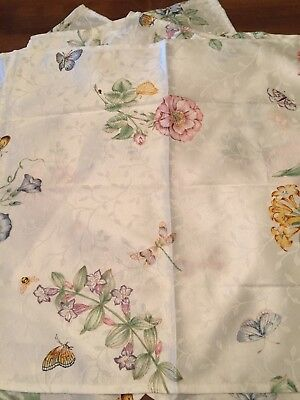 """Six Fabric Napkins Flowers Butterfly Pretty Colors 18"""" Square Table Linens"""
