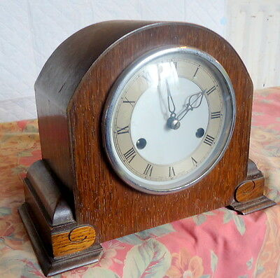 SMITHS ENFIELD. Art Deco. Chiming Mantel Clock, Oak. Works and Chimes