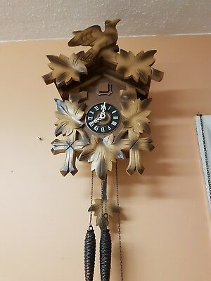 STUNNING LARGE BLACK FOREST   CUCKOO CLOCK / Fully  Servised