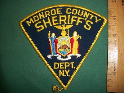 Monroe County Sheriff's Dept. N.Y. – uniform patch (Rochester, NY)