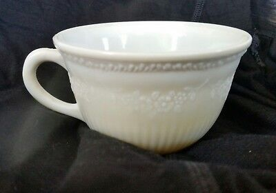 Anchor Hocking Alice Tea Cup Ivory Vitrock Milk Glass