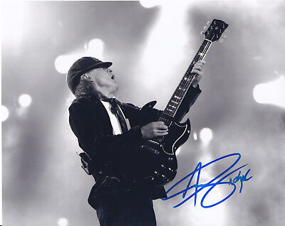 Angus young AC/DC authentic signed autograph 8x10 COA HOLO