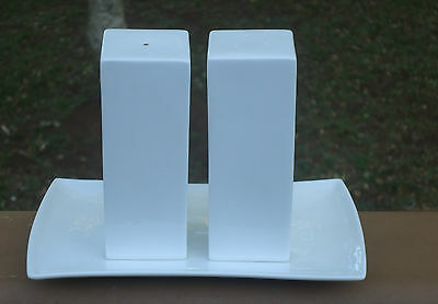 Maxwell & Williams Designer Square Salt & Pepper Shakers & Base Plate *White