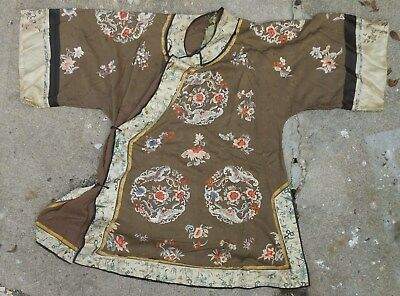 Fine Chinese 19th Century Embroidered Summer Robe, Bats, Flowers, Figures