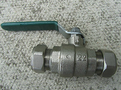 Quarter-turn ball valve, chrome plated full bore. Compression ends 22mm - 2 off