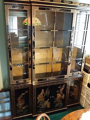 Drexel Chinoiserie Black China Hutch Cabinet.