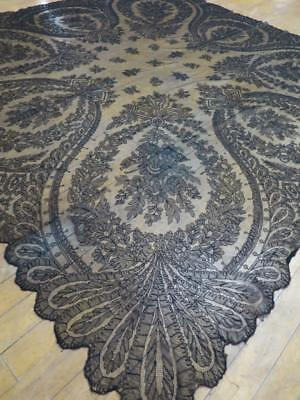 Stunning Antique Victorian Black Chantilly Lace Shawl