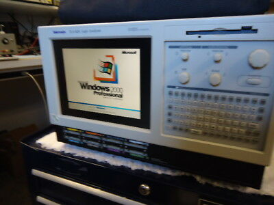 Tektronix TLA 624 Logic Analyzer (NICE)  with Acessories