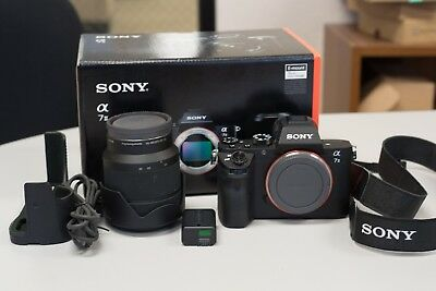 SONY Alpha a7 24.3MP Digital Camera - Black (with FE OSS 28-70mm Lens)