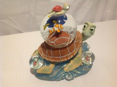 Finding Nemo Snowglobe,plays Aloha Oe For Usa,excellent