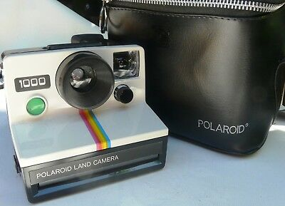 Polaroid 1000 Land Camera with Flashes in Case
