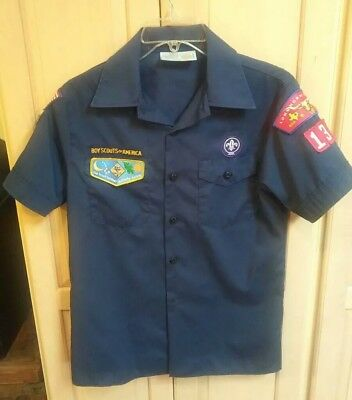 Boy Scout TIGER WOLF BEAR CUB SCOUT youth Large Blue Short Sleeve Shirt great
