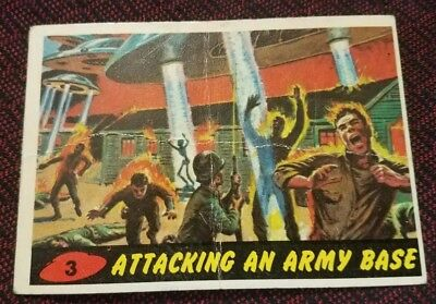 1962 Topps Mars Attacks #3 Attacking An Army Base