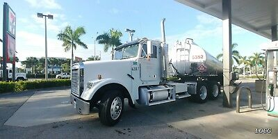Freightliner Fld 120 Classic  {Runs Great}