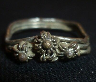 VIKING Silver RING - Circa 9th - 11th Century AD    /429