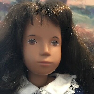17in  SASHA DOLL ENGLAND THICK FULL CURLY BRUNETTE HAIR