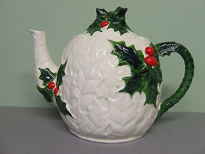 Vintage Lefton Christmas Holly Tea Pot (#6063)