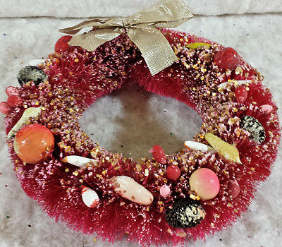 """Vintage Fancy Decorated Red Bottle Brush Christmas Wreath Shiny Brite  8"""" Japan"""