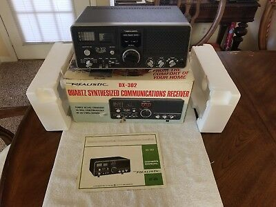 Realistic Quartz Synthesized Communications  Radio Receiver Dx-302
