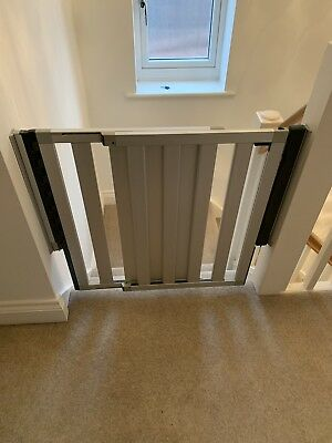 Lindam Numi Aluminium stair gate (Adjusts From 69cm-101cm Wide)