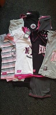 Ladies bundle gym clothes, 2 x Jogging bottoms, 4 x tops. New and used. size 10.